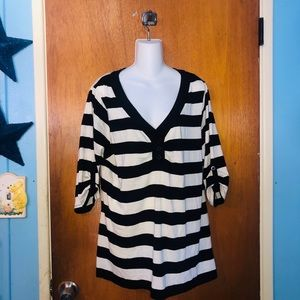 Torrid 2 Twist Tee Black & White Surplice Striped